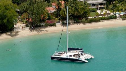 /excursion-image/barbados/luxury-catamaran-with-2-snorkel-stops/045549_110909021304.jpg