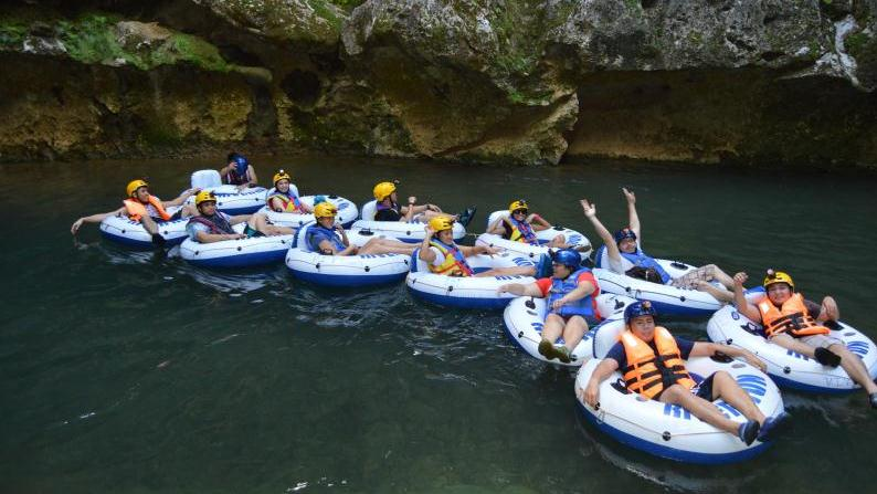 /excursion-image/belize/private-belize-cave-tubing-tour/051618_151214045045.jpg