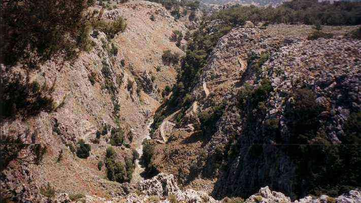 /excursion-image/crete-heraklion-greece/rock-climbing-in-the-gorge-of-saints/016833_110906083344.jpg