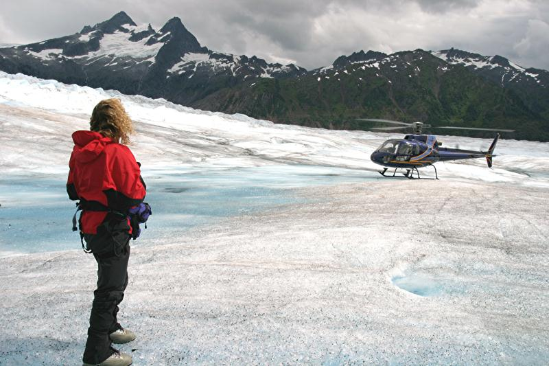 /excursion-image/denali-alaska/denali-glacier-landing-expedition-by-helicopter/033149_130619040905.jpg