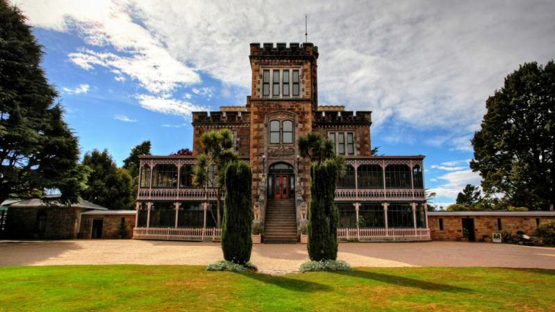 /excursion-image/dunedin-port-chalmers-new-zealand/larnach-castle-and-dunedin-highlights/118170_160119035316.jpg