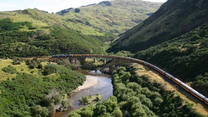 /excursion-image/dunedin-port-chalmers-new-zealand/taieri-gorge-train-and-dunedin-highlights/118172_160119042459.jpg