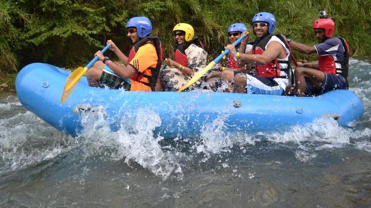 /excursion-image/falmouth-jamaica/river-rafting-down-jamaicas-waters-with-columbus-park/082081_120221024926.jpg