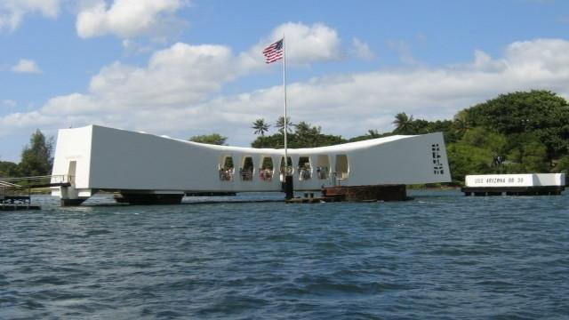 /excursion-image/honolulu-oahu-hawaii/private-half-day-at-pearl-harbor-cruise-pier-pickup/048893_110901121902.jpg