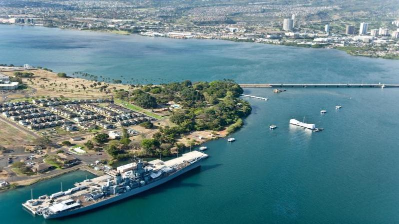 /excursion-image/honolulu-oahu-hawaii/private-half-day-at-pearl-harbor-for-airport-pick-up/049144_141118093923.jpg
