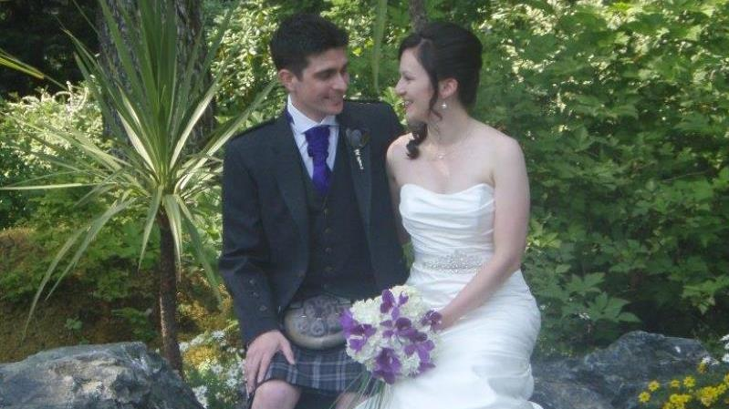 /excursion-image/juneau-alaska/wedding-a-glacier-gardens-wedding-fantasy/038445_161103010251.jpg