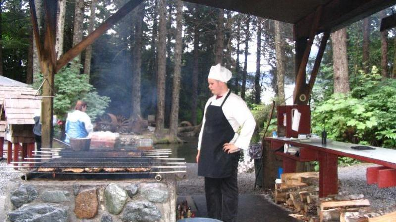 /excursion-image/juneau-alaska/whale-watching-salmon-bake/053164_120403124839.jpg