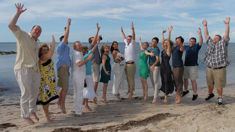 /excursion-image/key-west-florida/a-beach-wedding-in-key-west-with-symbolic-conch-blow/070240_110902122528.jpg