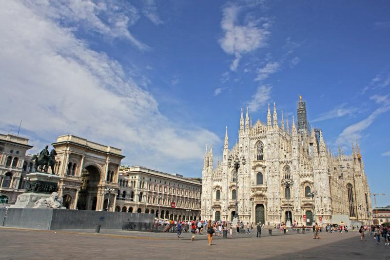 /excursion-image/milan-italy/full-day-shopping-tour-with-galleria-and-duomo/018690_130621121200.jpg
