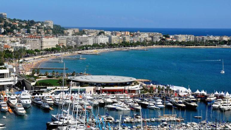 /excursion-image/monte-carlo-monaco/cannes-antibes-and-st-pauldevence-a-shoretrips-premium-shared-van-tour/011308_120611102734.jpg