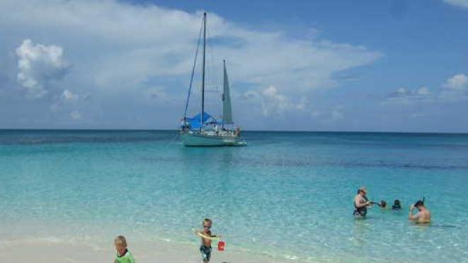 /excursion-image/nassau-bahamas/all-day-island-cruise-on-a-yacht/004448_130110121231.jpg
