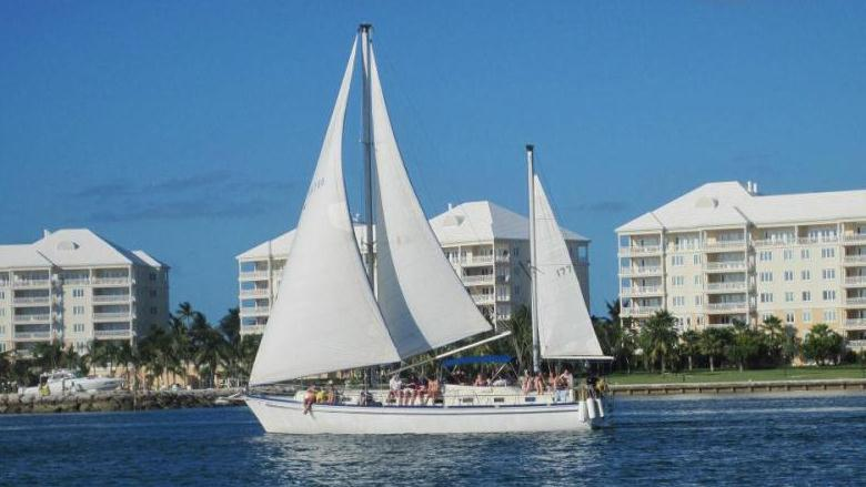 /excursion-image/nassau-bahamas/half-day-sailing-and-snorkeling-on-our-yacht/004446_130109105326.jpg