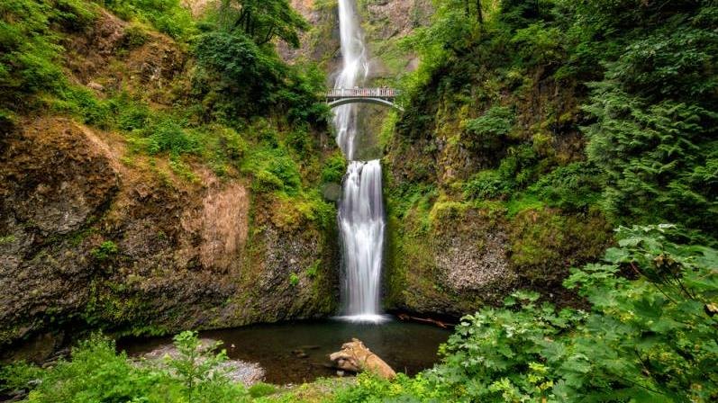 /excursion-image/portland-oregon/waterfalls-and-wine-at-the-columbia-gorge/138395_170207035834.jpg