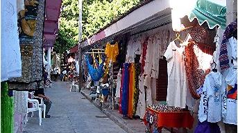 Sightseeing And Shopping In Cancun - Sightseeing And Shopping In Cancun. Copyright ShoreTrips.com.