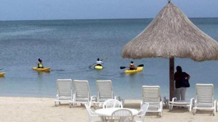 /excursion-image/roatan-honduras/kayak-with-beach-day-or-snorkeling-explore-the-mangroves/010986_130312020421.jpg