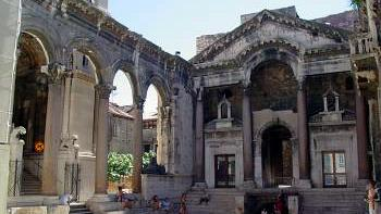 /excursion-image/split-croatia/the-diocletian-palace-trogir-and-the-ruins-of-salona/019701_110906102810.jpg