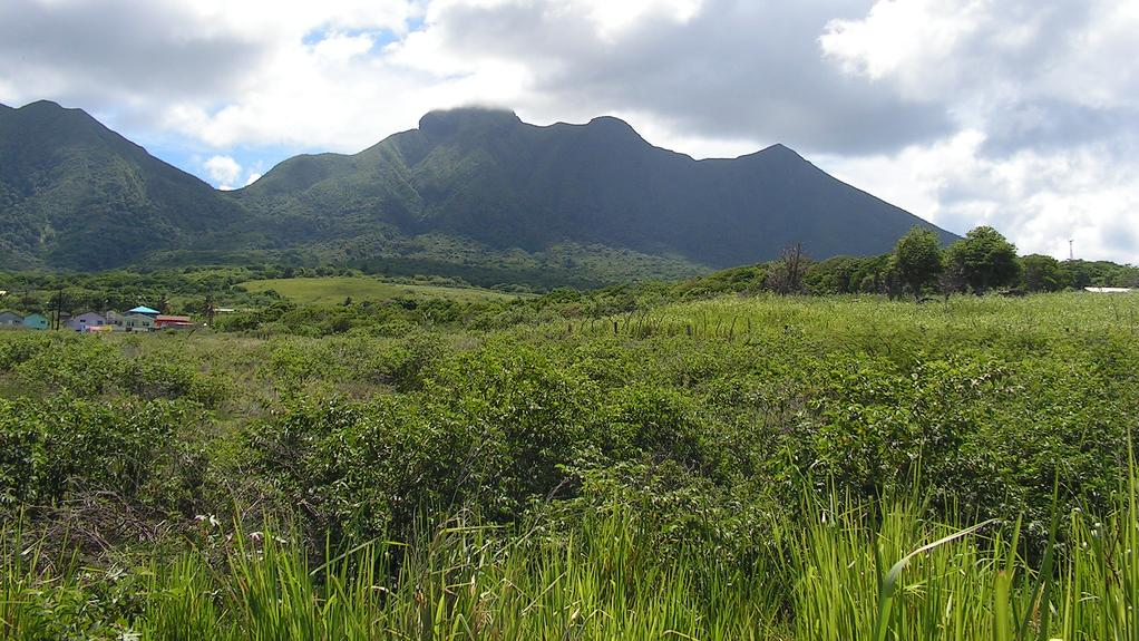 /excursion-image/st-kitts/volcano-hike-experience/101599_110909101059.jpg