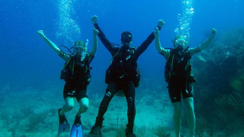 /excursion-image/st-martin-st-maarten/scuba-2-tank-dive-for-certified-divers/092756_140325103309.jpg