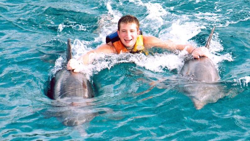 /excursion-image/tortola-bvi/swim-with-the-dolphins-in-tortolathe-royal-swim/006424_120502011912.jpg