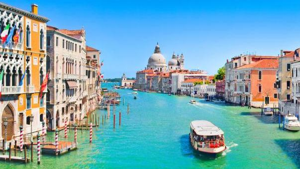 /excursion-image/venice-italy/walking-through-venice-with-jewish-ghetto-and-boat-cruise/025482_130415051345.jpg