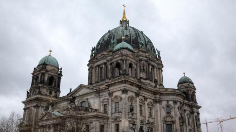 /excursion-image/warnemunde-berlin-germany/berlin-highlights-a-shoretrips-value-shared-tour/093715_140416035300.jpg