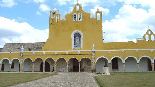 TOUR COLONIAL IZAMAL